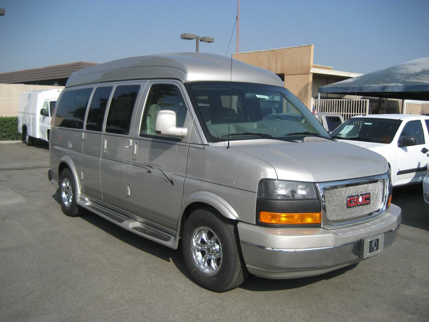 2017 explorer van gmc savana silverbirch explorer van